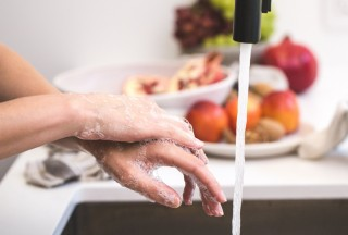 washing-hands-850x575