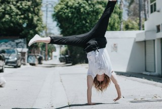 cartwheel-tyler-nix-unsplash-850x575